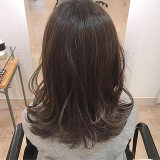 セミロング ヘアアレンジ ラベンダー オフィス ヘアスタイルや髪型の写真・画像