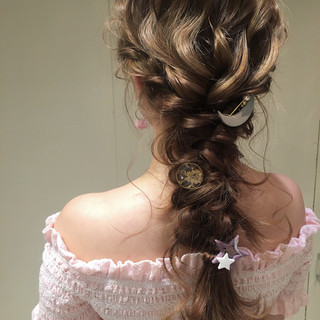 ロング ヘアアレンジ 編み込み ナチュラル ヘアスタイルや髪型の写真・画像