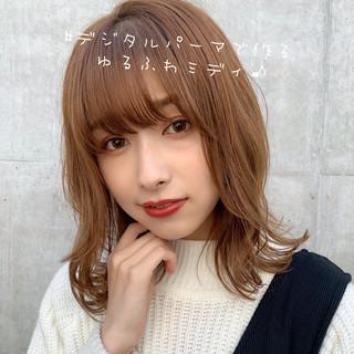 ミディアムヘアー 大人ミディアム フェミニン セミディ ヘアスタイルや髪型の写真・画像