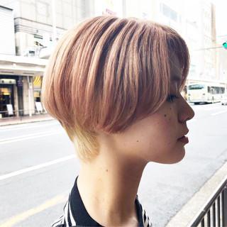 ハイトーンボブ ボブ ホワイトブリーチ ハイトーンカラー ヘアスタイルや髪型の写真・画像