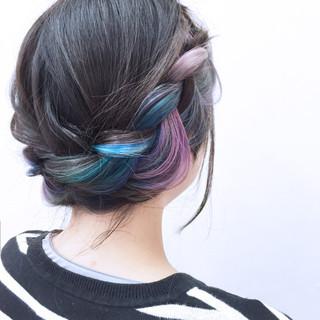 インナーカラー ヘアアレンジ かわいい カラフルカラー ヘアスタイルや髪型の写真・画像