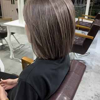 コントラストハイライト 大人ハイライト グレージュ ミルクティーグレージュ ヘアスタイルや髪型の写真・画像