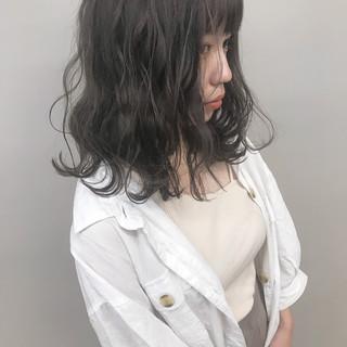 サロンモデル アディクシーカラー グレージュ ダブルカラー ヘアスタイルや髪型の写真・画像