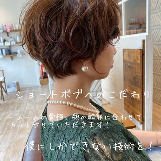 ショートボブ ベリーショート デート フェミニン ヘアスタイルや髪型の写真・画像