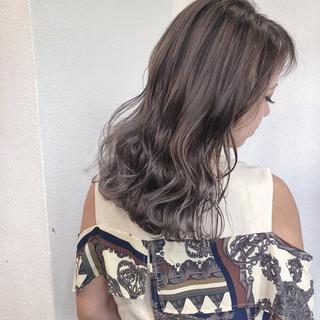 外国人風フェミニン バレイヤージュ ミディアム ナチュラル ヘアスタイルや髪型の写真・画像