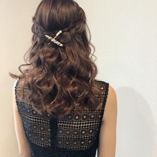 結婚式 ヘアセット セミロング ハーフアップ ヘアスタイルや髪型の写真・画像
