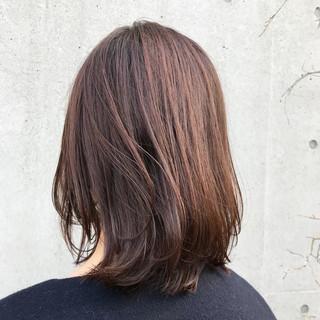 ショコラブラウン ナチュラル 大人かわいい アンニュイほつれヘア ヘアスタイルや髪型の写真・画像