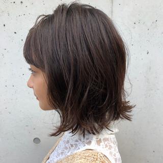 透明感カラー 外ハネボブ ガーリー アッシュベージュ ヘアスタイルや髪型の写真・画像