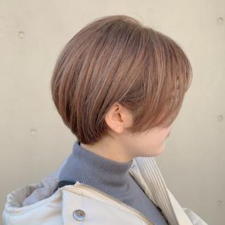 ミルクティーベージュ ナチュラル ショートボブ ショート ヘアスタイルや髪型の写真・画像