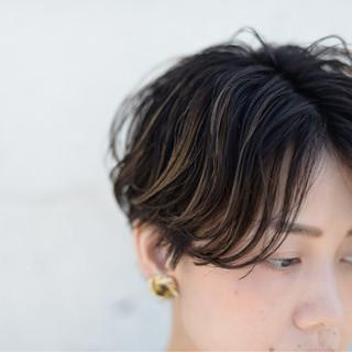 アンニュイ ストリート 外国人風 ショート ヘアスタイルや髪型の写真・画像 ヘアスタイルや髪型の写真・画像