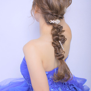 ヘアアレンジ フェミニン 編みおろしヘア 大人かわいい ヘアスタイルや髪型の写真・画像