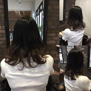 暗髪 秋 グラデーションカラー アッシュ ヘアスタイルや髪型の写真・画像