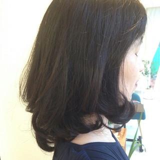 アッシュ ミディアム 上品 エレガント ヘアスタイルや髪型の写真・画像