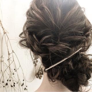 デート アッシュ ロング 結婚式 ヘアスタイルや髪型の写真・画像