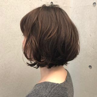 パーマ ボブ フェミニン ボブ ヘアスタイルや髪型の写真・画像
