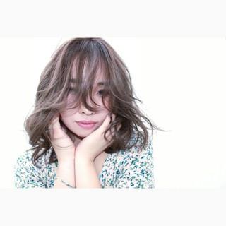 ハイライト フェミニン おフェロ 外国人風 ヘアスタイルや髪型の写真・画像
