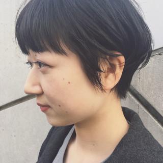 ナチュラル ショート ベリーショート 耳かけ ヘアスタイルや髪型の写真・画像 ヘアスタイルや髪型の写真・画像