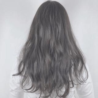 ボブ ゆるふわ グレーアッシュ アッシュグレー ヘアスタイルや髪型の写真・画像