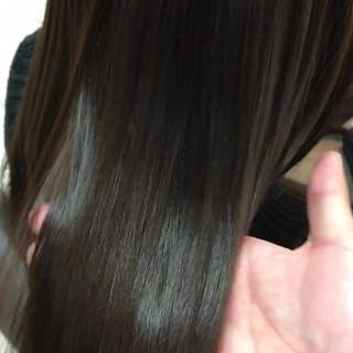 暗髪 ストレート エレガント アッシュ ヘアスタイルや髪型の写真・画像