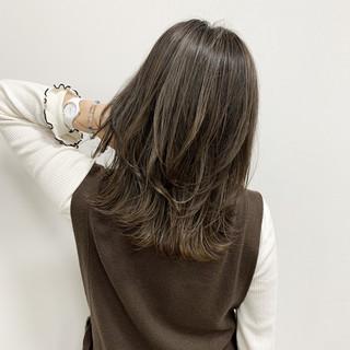 ハイライト ミディアム 大人ハイライト 3Dハイライト ヘアスタイルや髪型の写真・画像