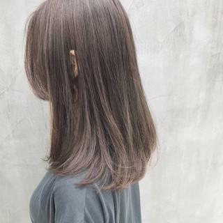 グレージュ アンニュイほつれヘア ロング ハイライト ヘアスタイルや髪型の写真・画像