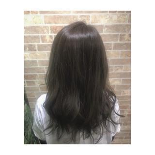 グレージュ ブリーチなし セミロング ストリート ヘアスタイルや髪型の写真・画像