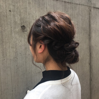 編み込み ヘアアレンジ 結婚式 フェミニン ヘアスタイルや髪型の写真・画像
