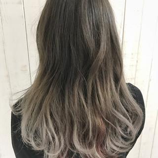 外国人風 グラデーションカラー ロング モード ヘアスタイルや髪型の写真・画像 ヘアスタイルや髪型の写真・画像