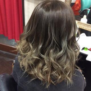 ダブルカラー イルミナカラー 外国人風カラー ガーリー ヘアスタイルや髪型の写真・画像 ヘアスタイルや髪型の写真・画像