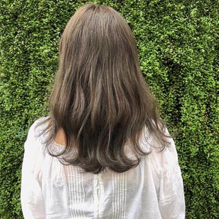 グレージュ 暗髪 外国人風カラー スモーキーカラー ヘアスタイルや髪型の写真・画像