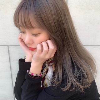 ナチュラル セミロング 春 外国人風カラー ヘアスタイルや髪型の写真・画像