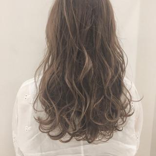 アンニュイ ロング ナチュラル 透明感 ヘアスタイルや髪型の写真・画像
