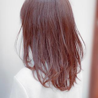 スウィングレイヤー レイヤーヘアー セミロング レイヤーカット ヘアスタイルや髪型の写真・画像
