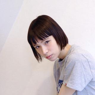 外国人風 ボブ ウェットヘア ストリート ヘアスタイルや髪型の写真・画像