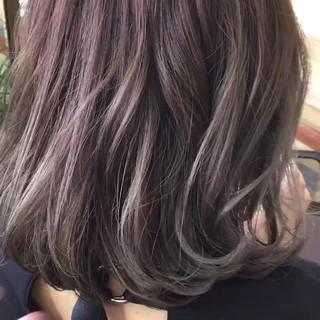秋 ガーリー ミディアム グレージュ ヘアスタイルや髪型の写真・画像