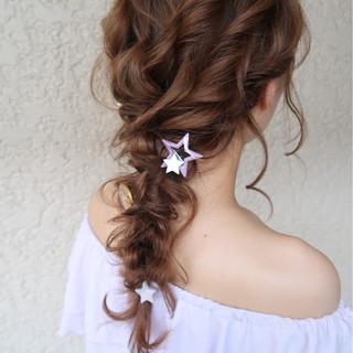 ナチュラル 結婚式 ロング 編み込み ヘアスタイルや髪型の写真・画像