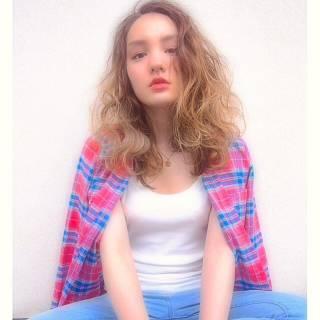 外国人風 ストリート グラデーションカラー セミロング ヘアスタイルや髪型の写真・画像