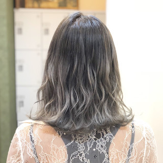 ミディアム 透明感 ブリーチ 外国人風 ヘアスタイルや髪型の写真・画像