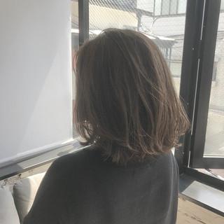 切りっぱなしボブ 外ハネボブ ボブヘアー シースルーバング ヘアスタイルや髪型の写真・画像