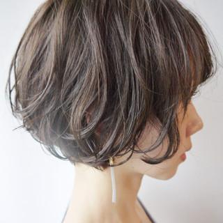 ショート ショートボブ パーマ ウェーブ ヘアスタイルや髪型の写真・画像