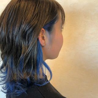 ミディアム ストリート インナーカラー 切りっぱなしボブ ヘアスタイルや髪型の写真・画像