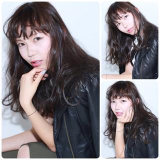 モード セミロング 暗髪 イルミナカラー ヘアスタイルや髪型の写真・画像