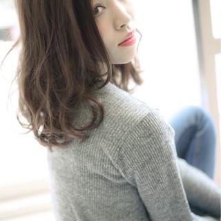 リラックス ミディアム 外国人風カラー 秋 ヘアスタイルや髪型の写真・画像 ヘアスタイルや髪型の写真・画像