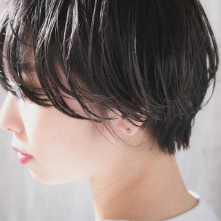 ナチュラル 簡単ヘアアレンジ オフィス ショート ヘアスタイルや髪型の写真・画像