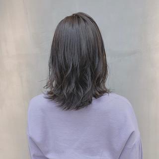 外国人風カラー 透明感カラー ブルーラベンダー ナチュラル ヘアスタイルや髪型の写真・画像