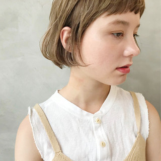 ナチュラル 大人女子 耳かけ ショート ヘアスタイルや髪型の写真・画像