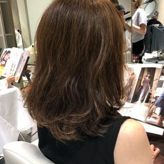 3Dハイライト コントラストハイライト ナチュラル ミディアム ヘアスタイルや髪型の写真・画像