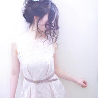 シニヨン ヘアアレンジ 二次会 ロング ヘアスタイルや髪型の写真・画像