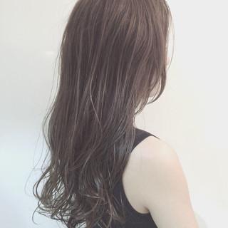 ゆるふわ アッシュ 外国人風 ロング ヘアスタイルや髪型の写真・画像