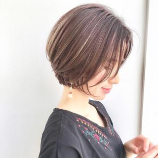 ショート ナチュラル 色気 透明感 ヘアスタイルや髪型の写真・画像